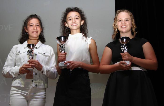 Lanzo Intelvi Cantalanzo da SX Benedetta Agnelli,Giorgia Gilardoni e Giada Masola
