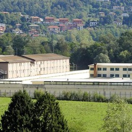 Evaso dai domiciliari a Luisago  I carabinieri lo portano in carcere