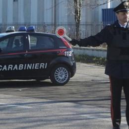 Aggredisce genitori e carabinieri  Denunciato un uomo di Cabiate