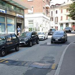 Erba, la protesta dei commercianti  «No ai lavori sul Corso a settembre»