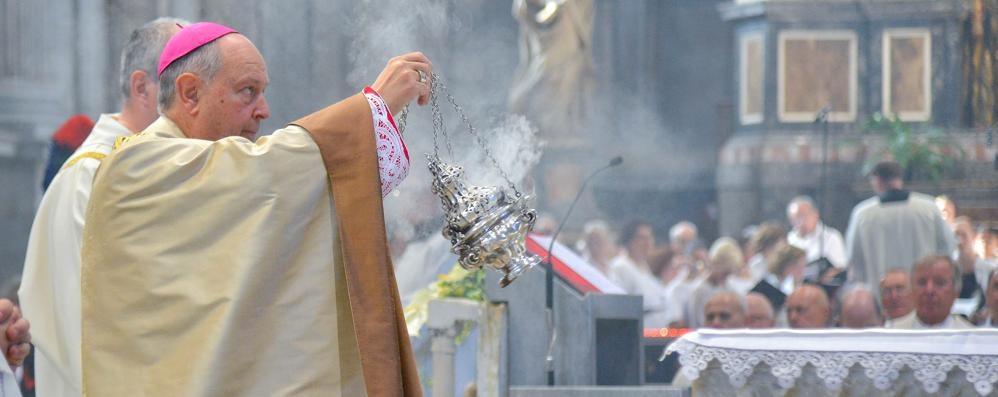 Sant'Abbondio, l'invito del vescovo  «Aiutare concretamente gli ultimi»