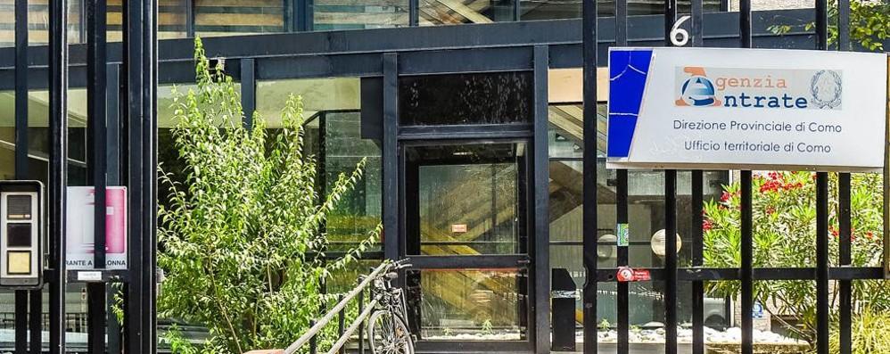 Mazzette all'Agenzia delle entrate  Ore è ufficiale, dipendenti sospesi