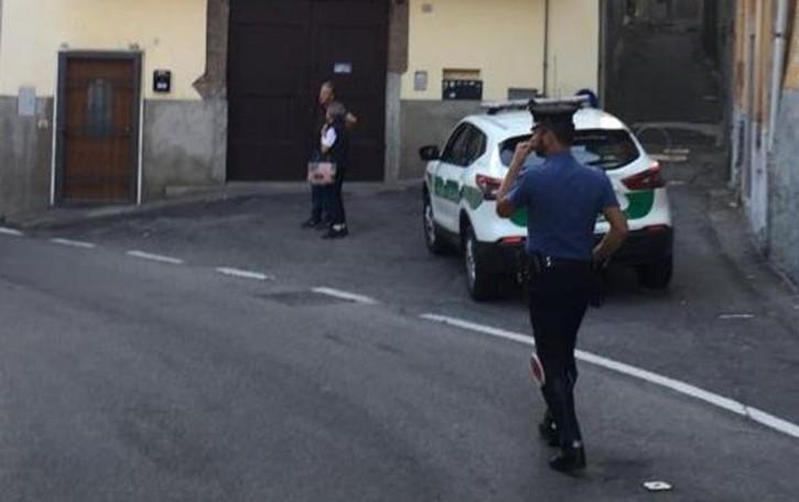 Bizzarone, tragedia in centro  Si uccide nella sua auto