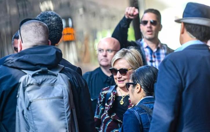 Clinton: no a Clooney.  Poi via in treno    da Como San Giovanni