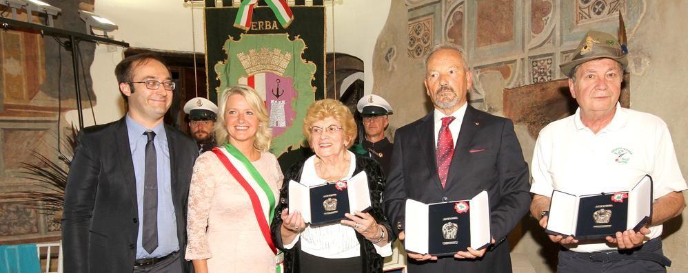 Erba ha premiato Gallorini  «Ha tutelato i deboli restando umano»