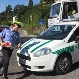 Tentano di rubare bici, furgoni sospetti  «Controllo del vicinato anche a Capiago»