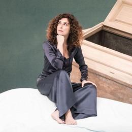 Teresa Mannino non basta mai  Ritorno (in armadio) al Sociale