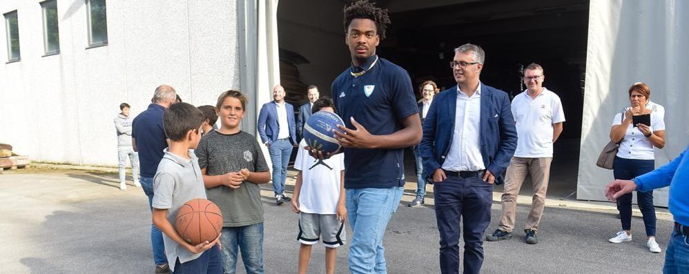 Cantù, è il giorno di Young L'esordio contro Brescia