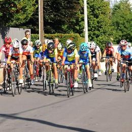 Domenica a colpi di pedale Le gare a Brenna e Figino