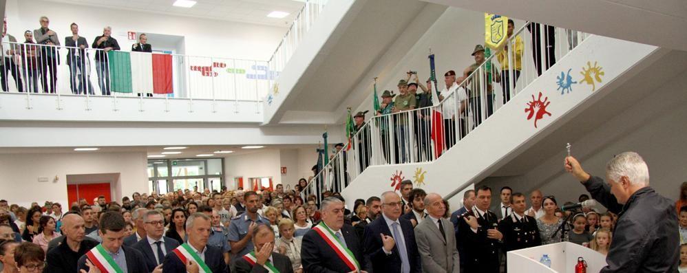 Gravedona inaugura la nuova scuola  «Così invitiamo a restare in Alto Lago»