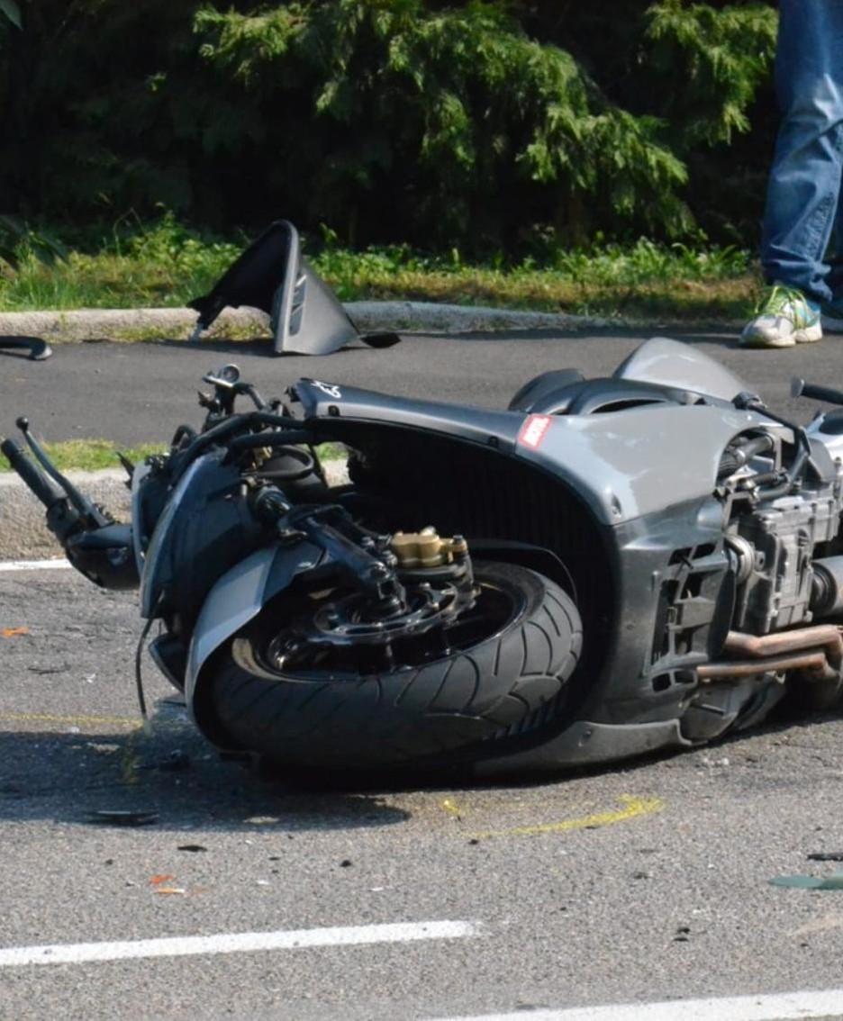 La moto a terra