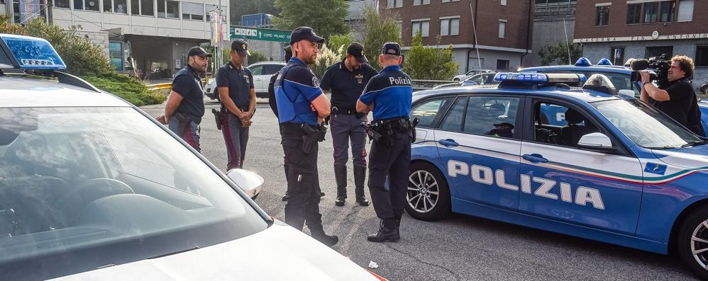 Come iniziare ad uscire con un poliziotto
