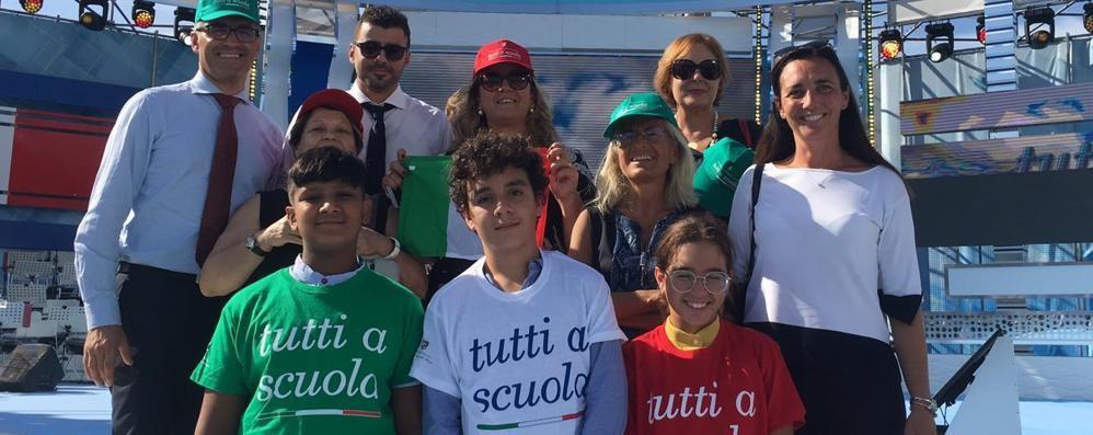 La scuola ricomincia da L'Aquila  Con gli alunni di Fino e Cernobbio
