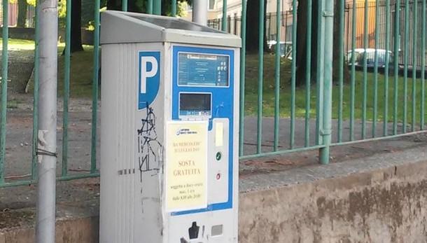 """Posteggi e città """"smart""""  Ultimatum a Canturina servizi"""