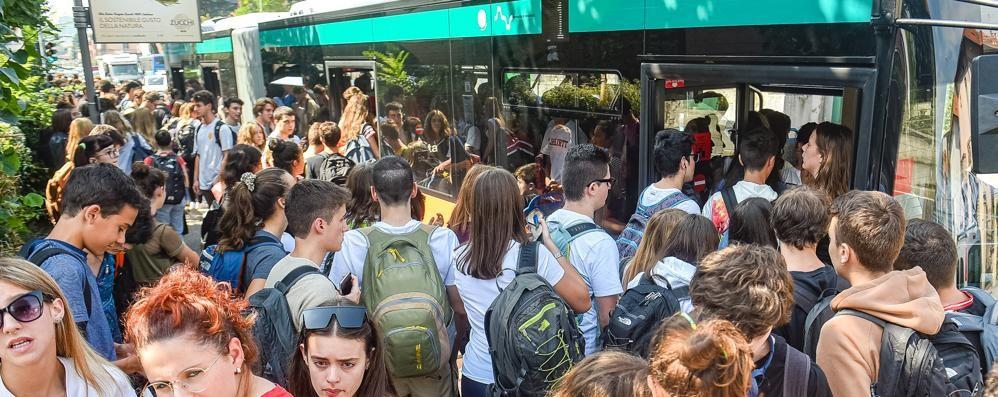 """""""Poveri"""" studenti, i biglietti dei bus  aumentano fino al 10%"""