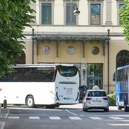 Via i bus da piazza Roma Approvata la mozione in consiglio