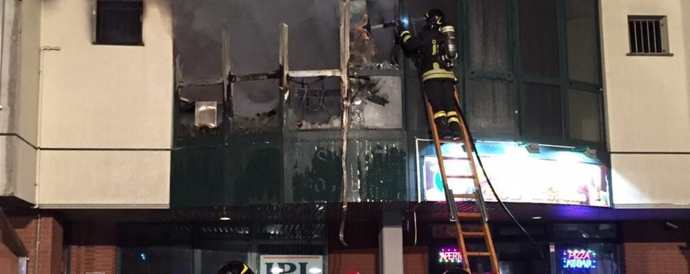 Incendiò il proprio negozio  Condannato a quattro anni
