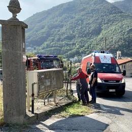 Ponte Lambro, minaccia di buttarsi  Emergenza risolta dai carabinieri