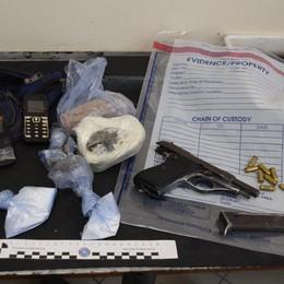 Armi e droga nei boschi  Due arresti e due denunce