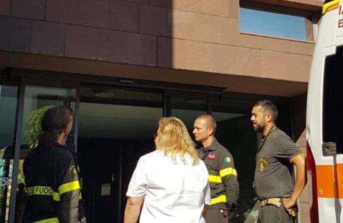 Olgiate Comasco, sede poliambulatorio, ascensore bloccato, intervento vigili del fuoco
