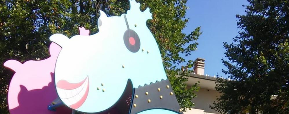 Olgiate, vandali al parchetto  Il drago dei bimbi inagibile