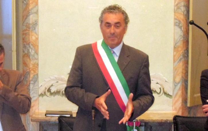 Montorfano, il sindaco Capuano  «Caso edilizia, io parte lesa»