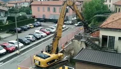 Uggiate Trevano demolizione