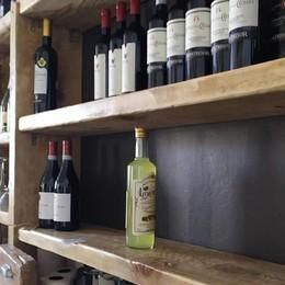 I ladri saccheggiano il ristorante  Via bottiglie e formaggi di pregio