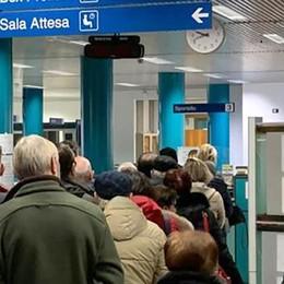 Prenotazioni elettroniche in tilt  Code e disagi in ospedale a Erba