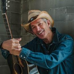 Vita e musica di Doug Seegers:  una leggenda sul lago