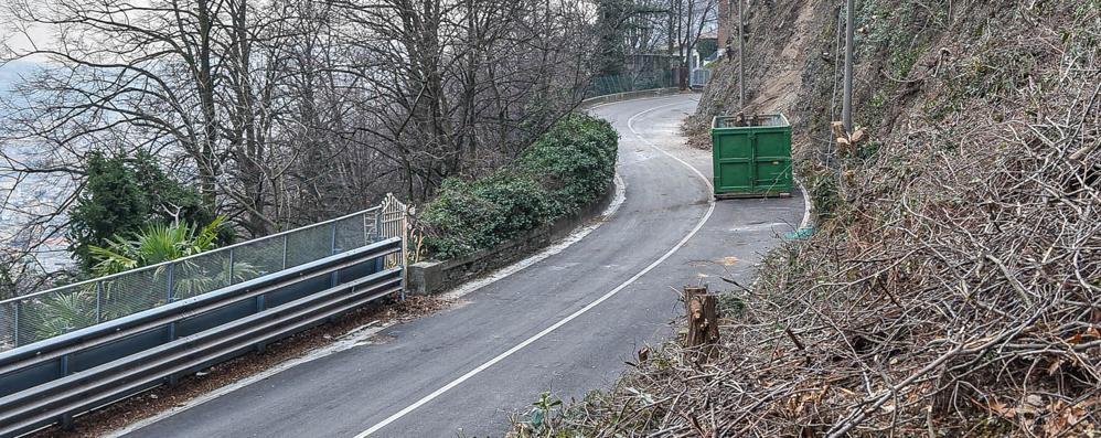 Via Per San Fermo, i privati si fermano  Il Comune: «Faremo noi, tempi lunghi»