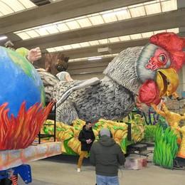 Carnevale alla prima sfilata  A Cantù è sfida tra sette carri
