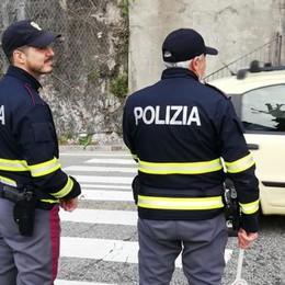 Droga nell'auto: denunciati  due stranieri irregolari