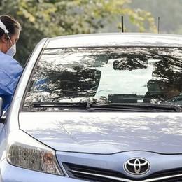 Troppi positivi, è caos nel Comasco  Nessuno li chiama per tracciare i contagi