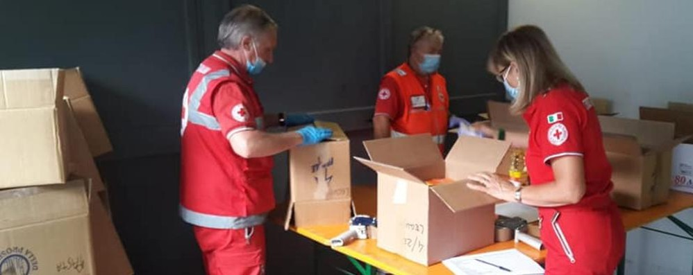 Da emergenza sanitaria a sociale  Cantù, 500 pacchi viveri al mese