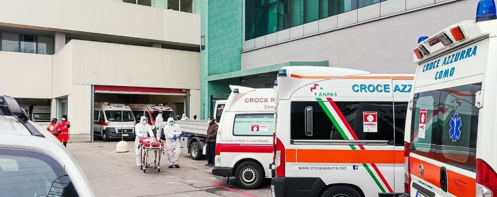 Gli ospedali fanno spazio ai contagiati  Sant'Anna, ridotta l'attività ordinaria