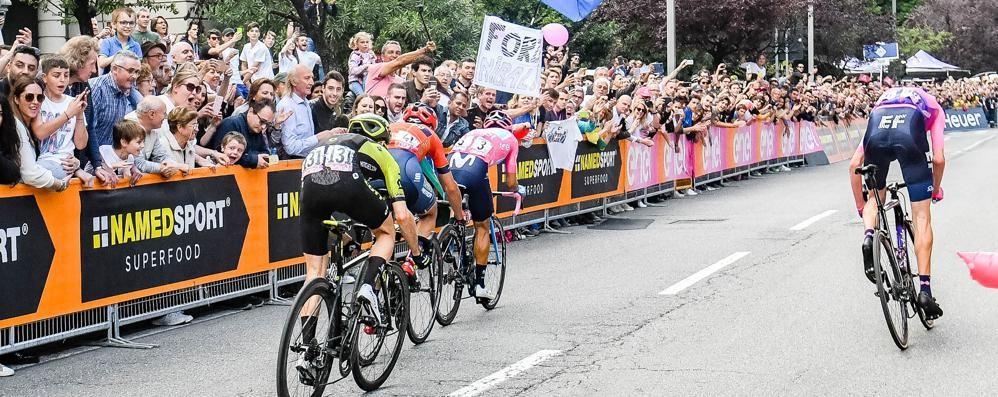 Il Giro d'Italia è qui  Oggi il passaggio sul Lario