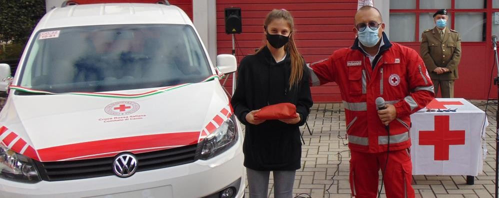 Croce Rossa, quattro nuovi mezzi  A Cantù doni da sponsor e cittadini  Poi regali per la cresima di Vittoria