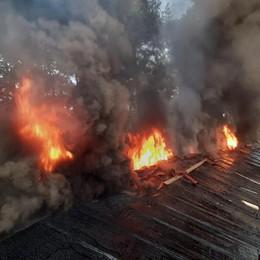 Appiano, brucia tetto Paura in via dello Sport