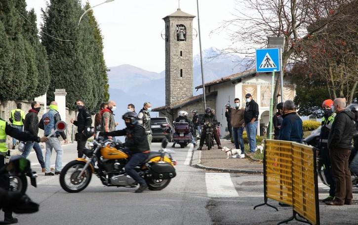 Magreglio, il motoraduno è annullato  Ma al Ghisallo arrivano 3.000 moto
