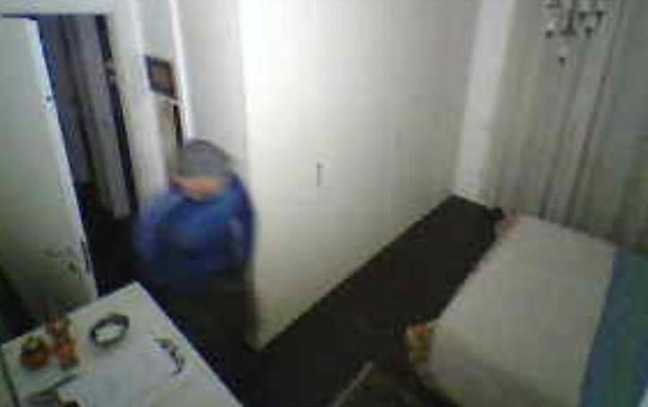 """Cirimido, ecco il ladro   che """"sfida"""" le telecamere"""