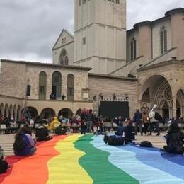 Marcia della pace  per don Roberto  «Ferita aperta per Como»