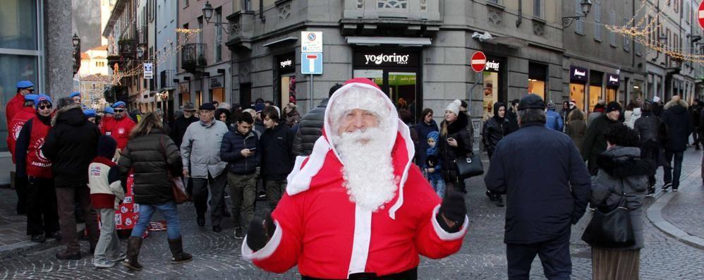 Shopping di Natale  «Sanzioni contro gli assembramenti»