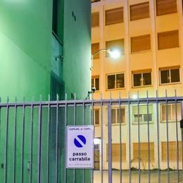 Apre il dormitorio per i senza tetto  Da stasera 33 posti in via Borgovico