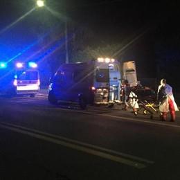 Scontro tra auto a Lomazzo  Due persone in ospedale