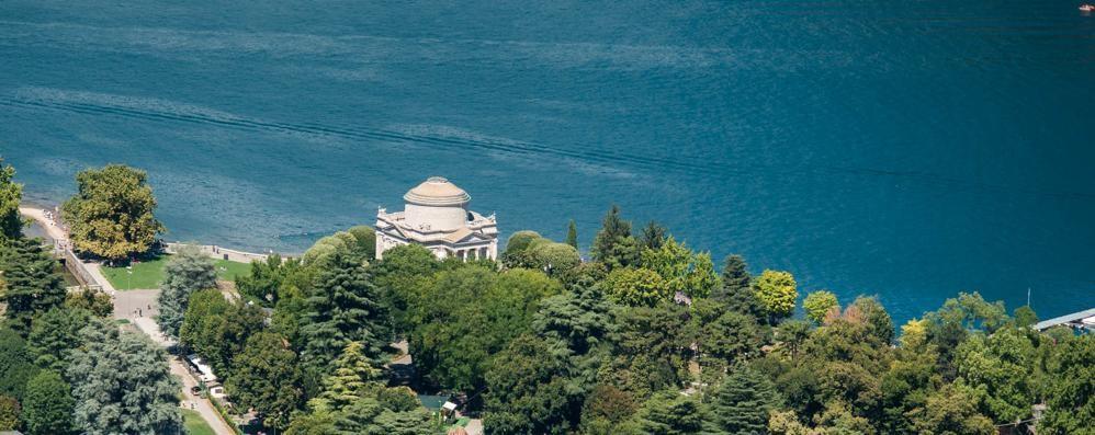 Tempio Voltiano, restauro finito  Ma i lavori ai giardini slittano ancora
