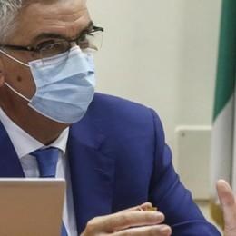 Brusaferro spiega le ragioni dei lockdown  «Controllare il virus per migliorare i dati»