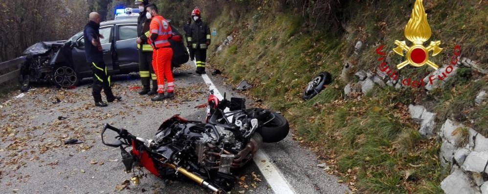 Sormano, scontro al Pian del Tivano  Muore motociclista di 47 anni