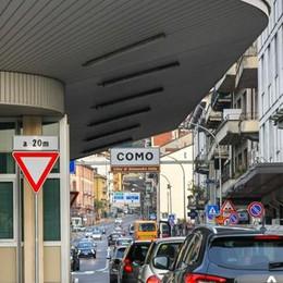 Svizzera, torna lo stop  Passano solo i frontalieri