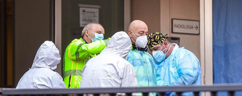 Covid: in Italia 25.271 casi  e 356 decessi. In Lombardia 4.776  nuovi positivi: 226 a Como,  171 a Lecco, 73 a Sondrio